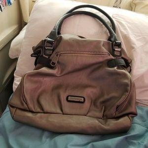 Handbags - Super cute steve madden hand bag